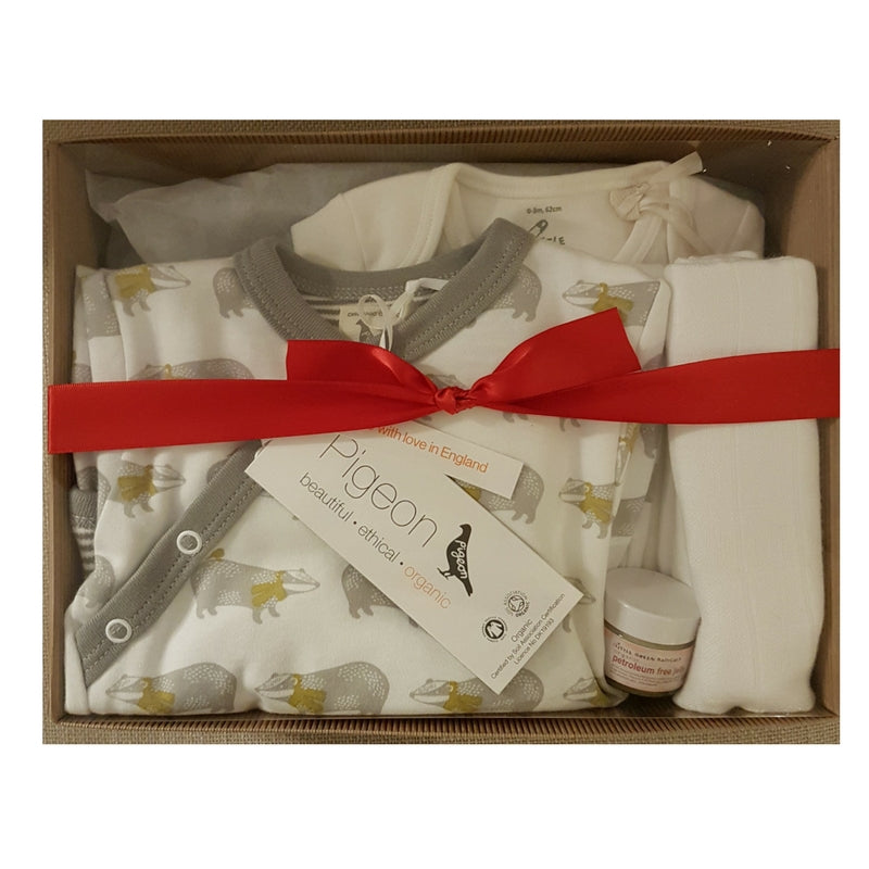 What makes a hazelbou new baby gift box?