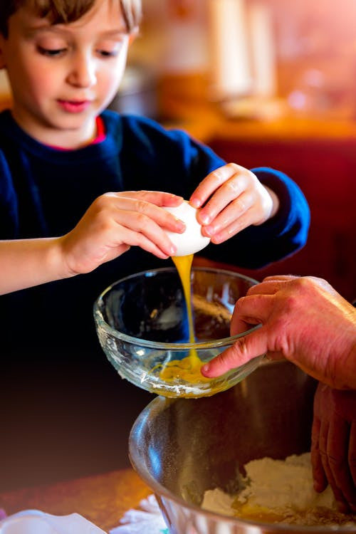 5 things...to keep the kids safe but busy while you're in the kitchen