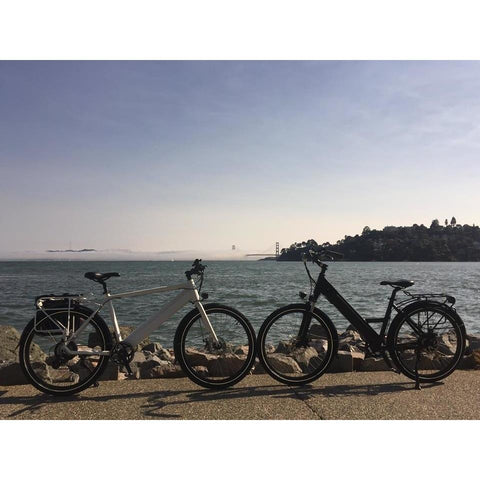 Espin Flow - Electric Commuter Bike - 2 next to the water