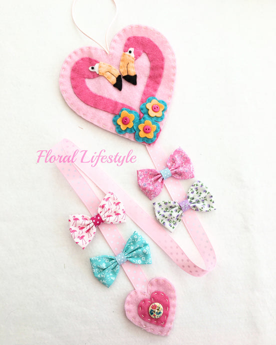 Deluxe flamingo hair bow holder