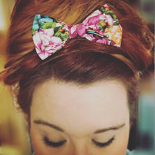 Large Hair Bow - A Flamboyance of Flamingos - Pink