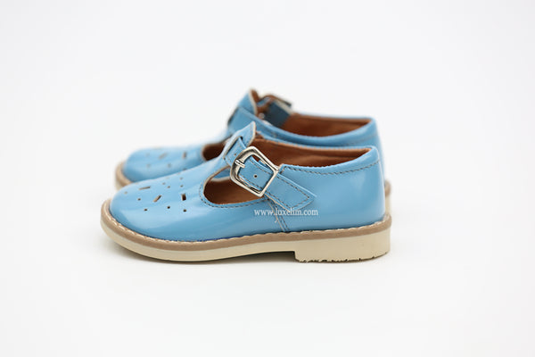 Baby blue classic buckled shoes Vintage style