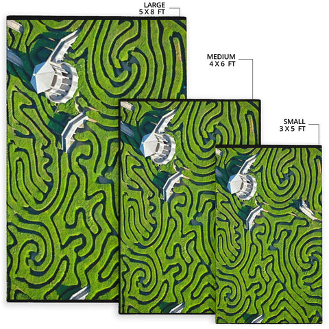 Maze at Langleat Manor, England.