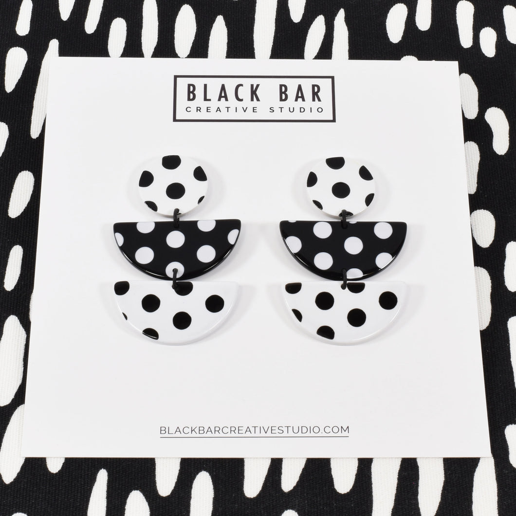 HALF DISC EARRINGS - Medium