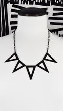TRIANGLE BANNER NECKLACE