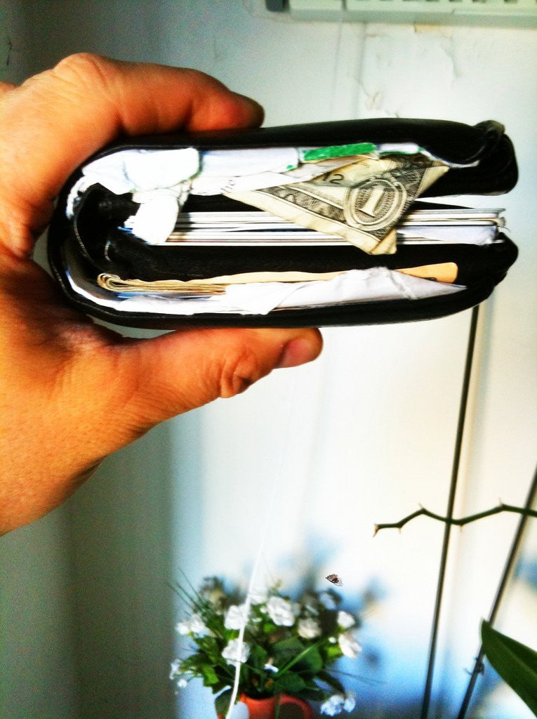 10 Reasons Why You Should Use a Money Clip Wallet