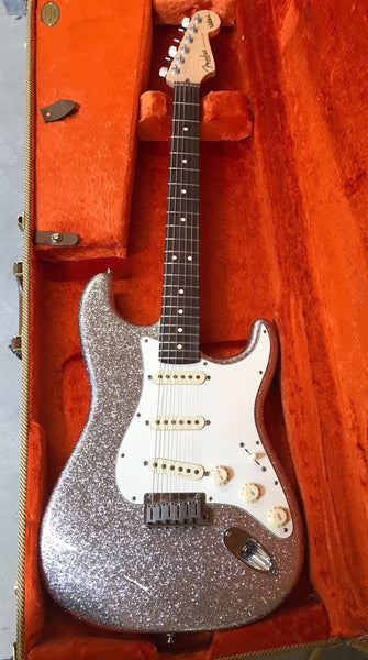2014 Fender Jeff Beck Artist Series Stratocaster in Silver Sparkle