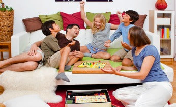 shutterstoc_familygames_346x210