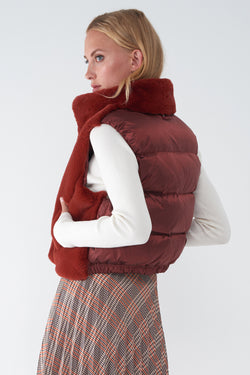 JADIRA AUTUMN RED - FAUX FUR VEST