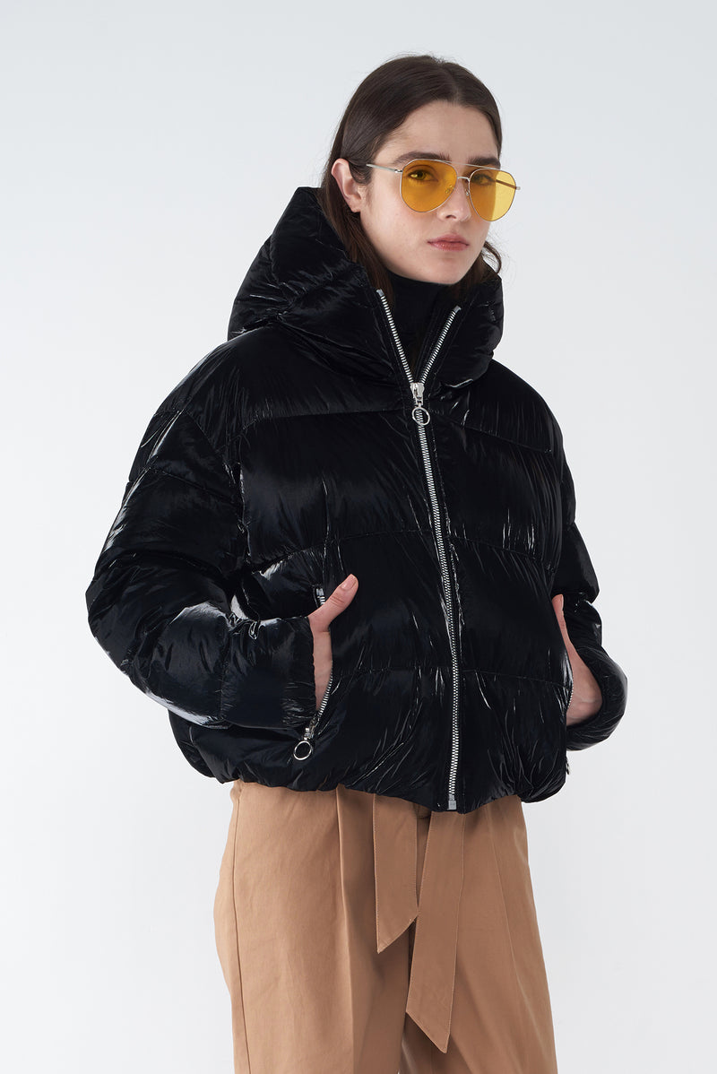 JESS BLACK - PEARLIZED SHORT DOWN JACKET