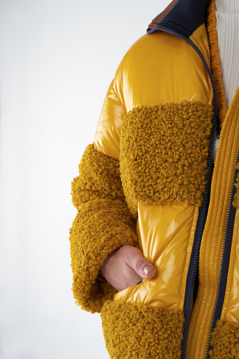 JUNE YELLOW - GLOSSY SHORT DOWN JACKET