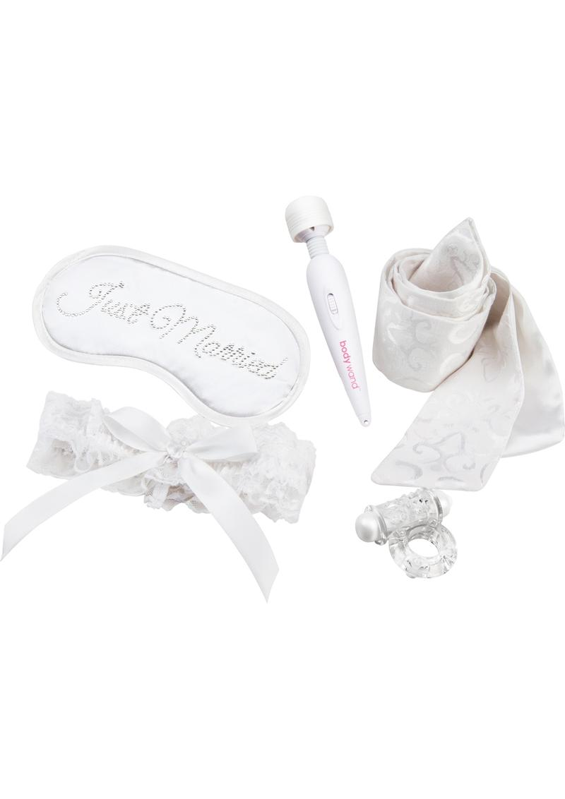Bodywand Couples Collection 5 Piece Honeymoon Gift Set White