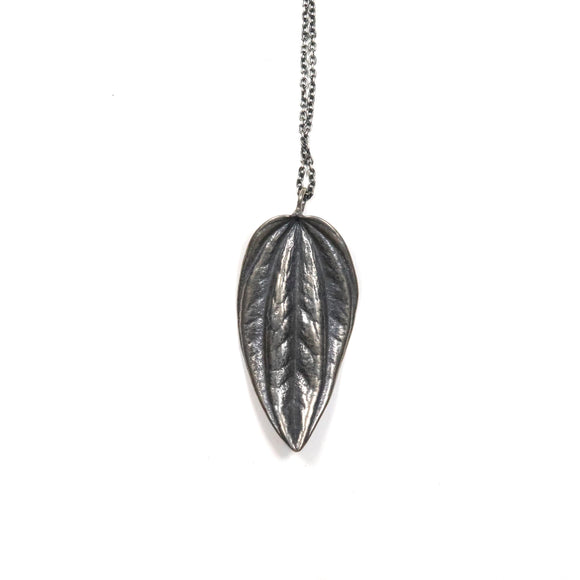 small leaf peperomia necklace
