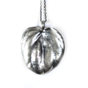 silver succulent necklace: leaf peperomia - annual