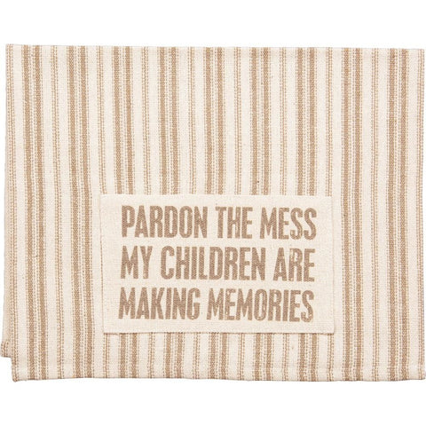 Sturdy Farmhouse Style Dish Towel With 'Pardon The Mess' Design