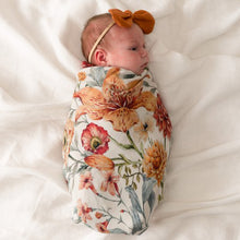 Load image into Gallery viewer, Le Piccadilly Muslin Swaddle