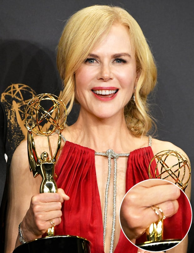 Nicole Kidman wearing Shiffon Duet Pinky Ring