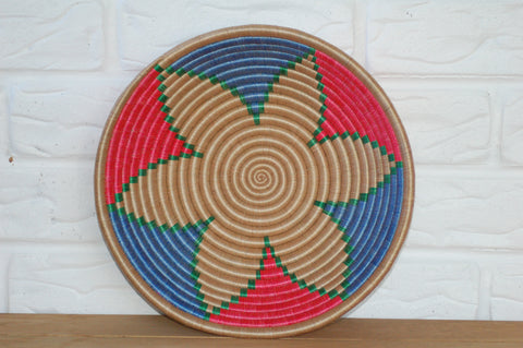 Rwandan Basket - Round - Natural flower w red and blue