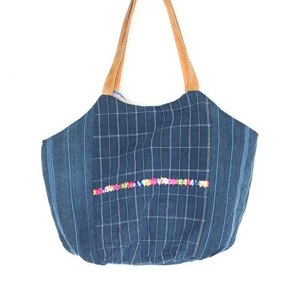 Playa Emboidered Beach Bag 1
