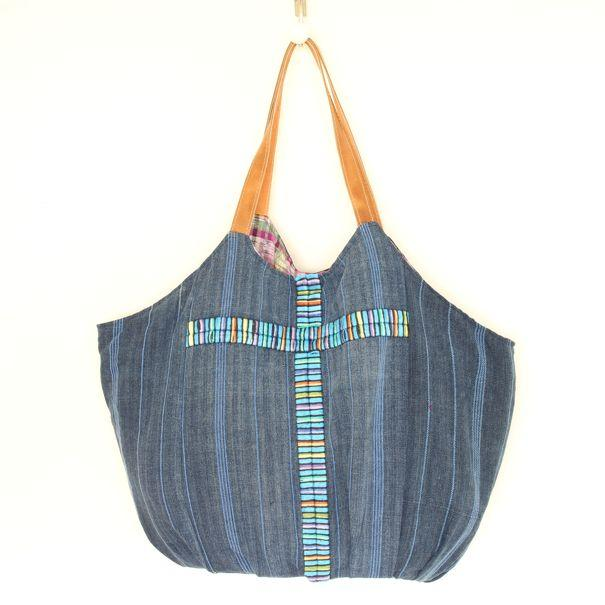 Playa Embroidered Beach Bag 12