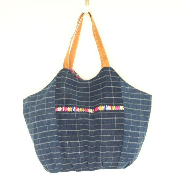 Playa Embroidered Beach Bag 14