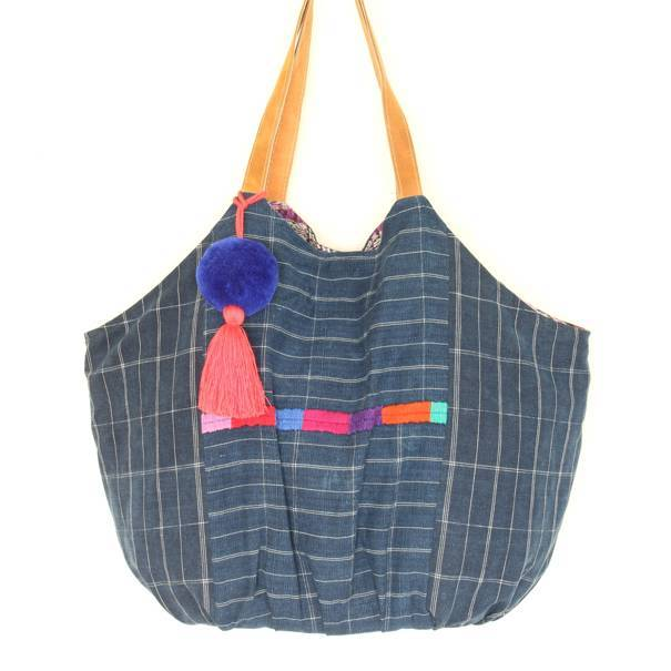 Playa Embroidered Beach Bag 15