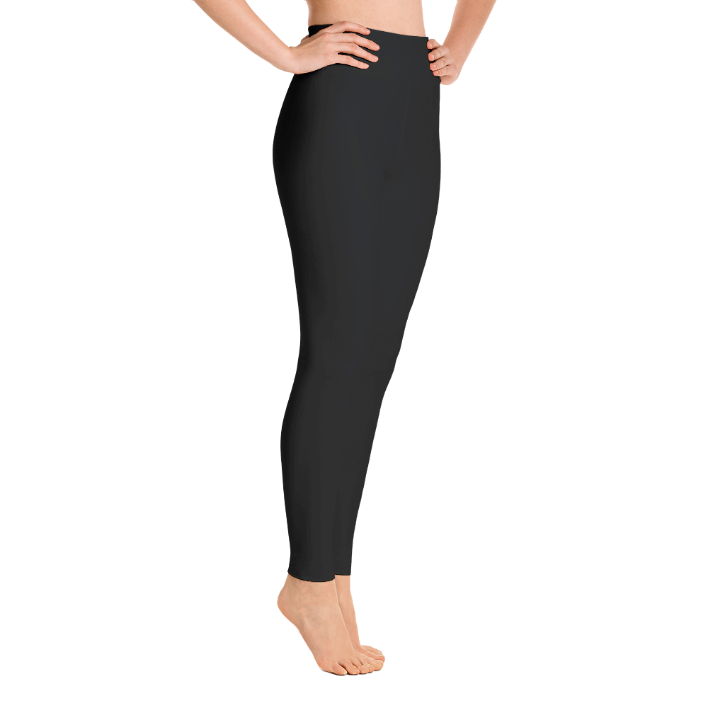 brunette fit model wearing solid black print leggings yoga pants