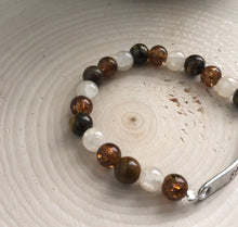 Load image into Gallery viewer, Mixed Tiger and Crackle Stretch Bead Bracelet