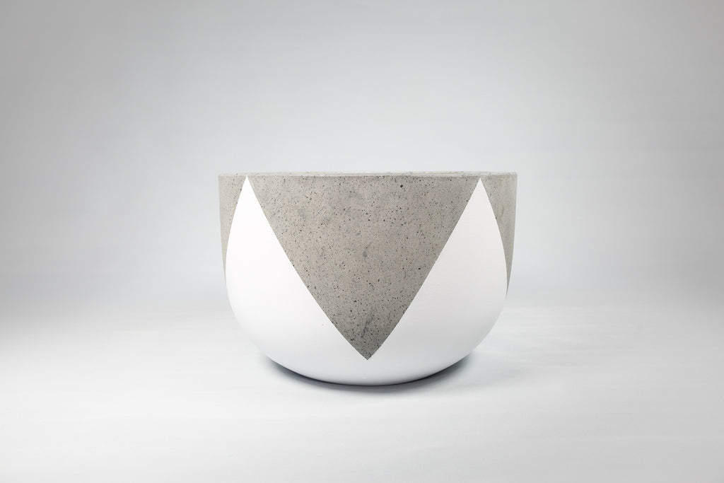 Crown - Black and White Concrete Pot