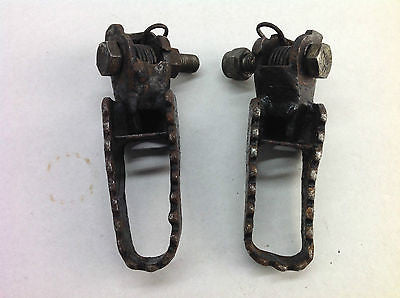 1985-1987 KAWASAKI KX125 KX 125 OEM FOOTPEGS FOOTRESTS  (008)
