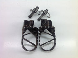 KTM 85 SX 2005 FOOT PEGS WITH PINS & SPRINGS 0081B