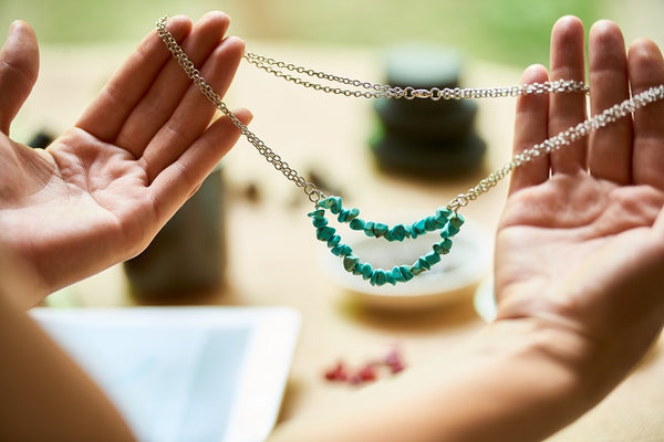 How to Style Shortened Necklaces