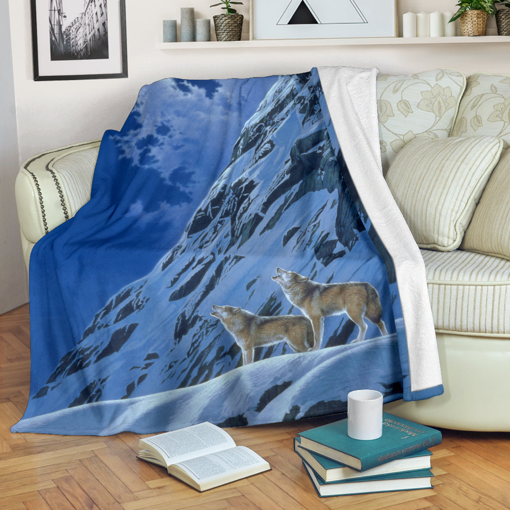 Mountain Wolf blanket