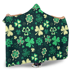 PATRICK HOODED BLANKET