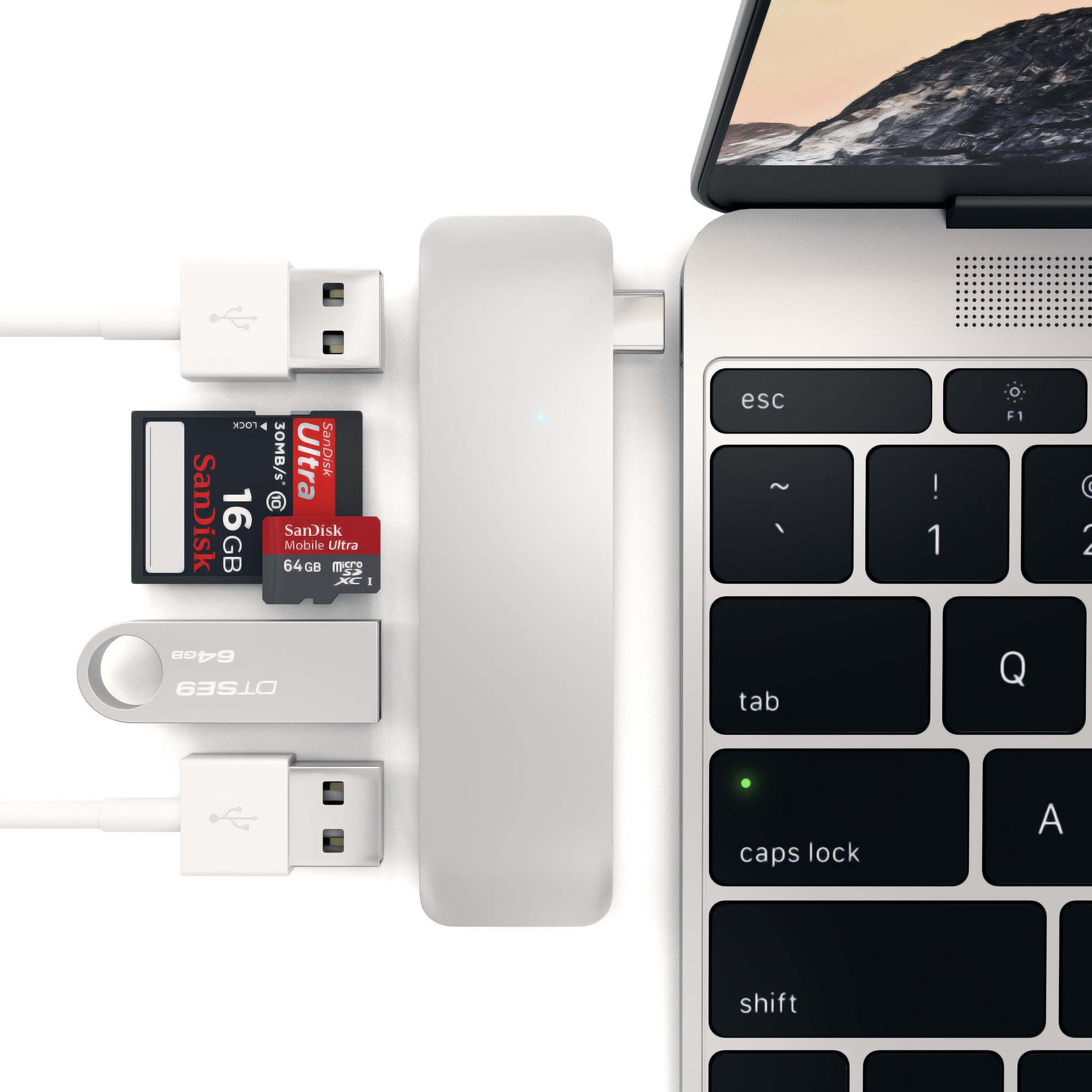 Thunderbolt 3/USB-C hub to USB 3.0/Card Reader