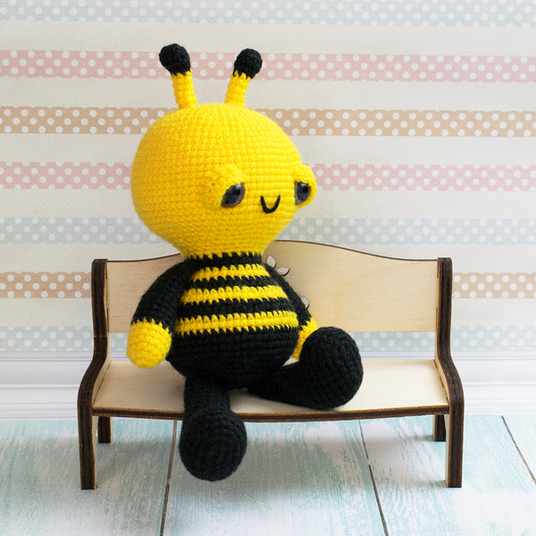 Soft & Dreamy Bee amigurumi pattern - printable PDF