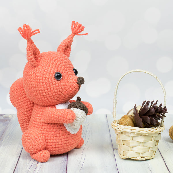 Amigurumi squirrel crochet pattern - printable PDF