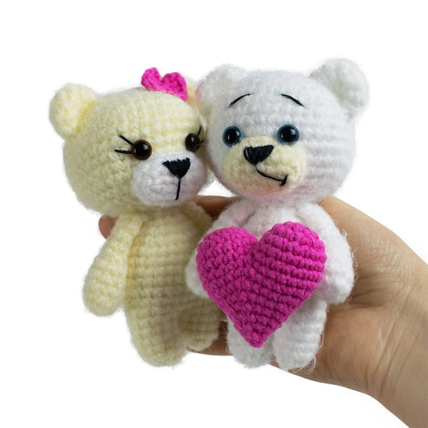 Crochet bears with heart pattern - printable PDF