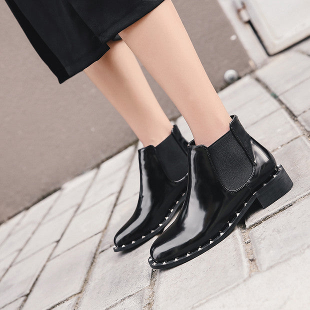 Round Toe Rivetted Low Heel Boots Black