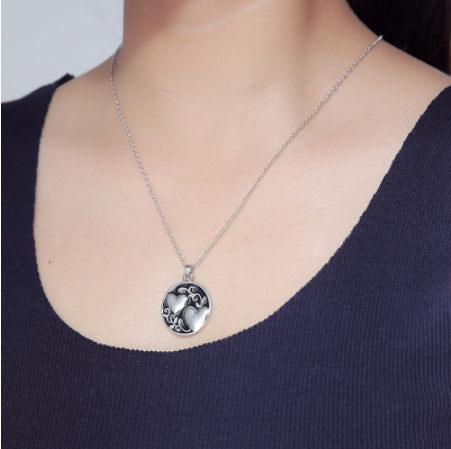 Heart of A Sister Pendant Necklace - Hautify