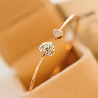 Simple Heart Bangle Gold Plated