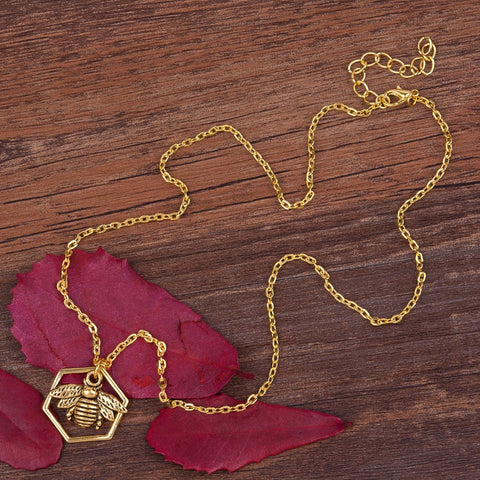 Rare Antique Honeycomb Bee Pendant Necklace - Hautify