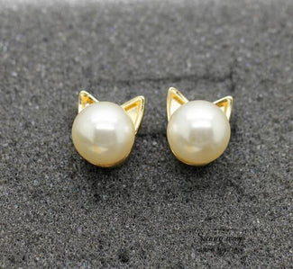 Pearl Cat Head Stud Earrings