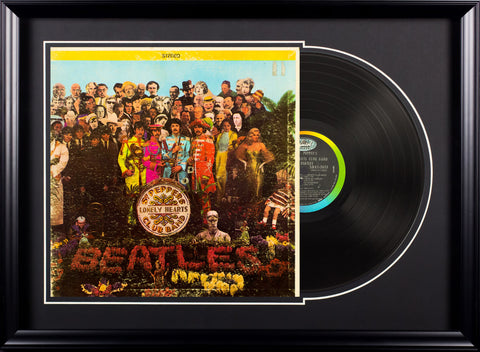 The Beatles - Sgt. Pepper's Lonely Hearts Club Band - Vintage LP in Deluxe Frame