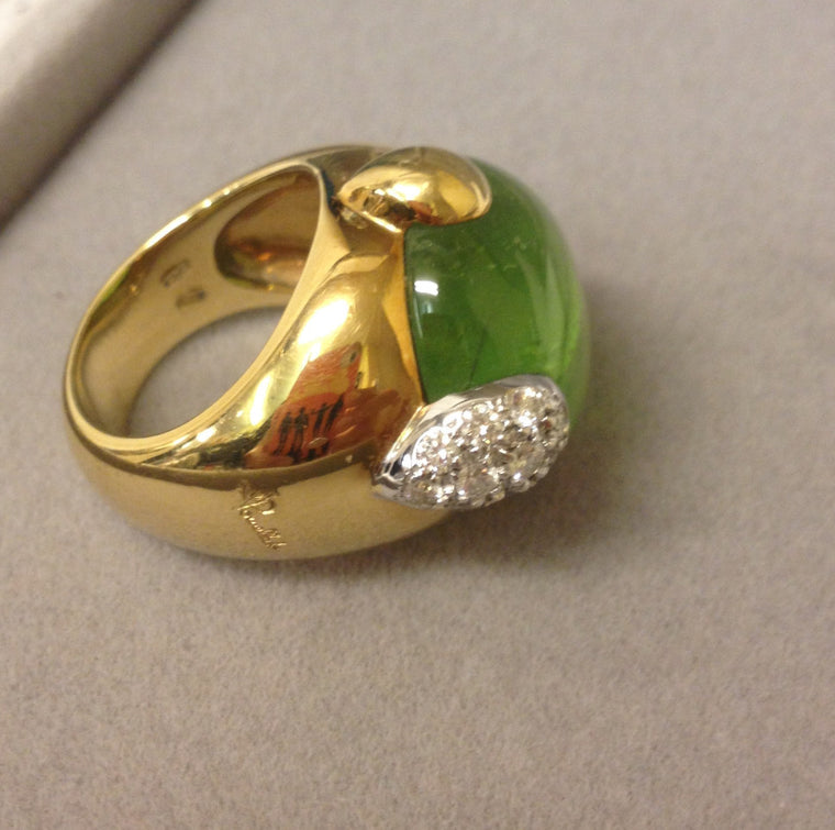 Griffe by Pomellato 18 Karat Yellow Gold Ring Size 6