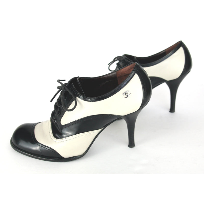 Chanel Lace Up Spectator Pump Black White Shoes Size 7.5