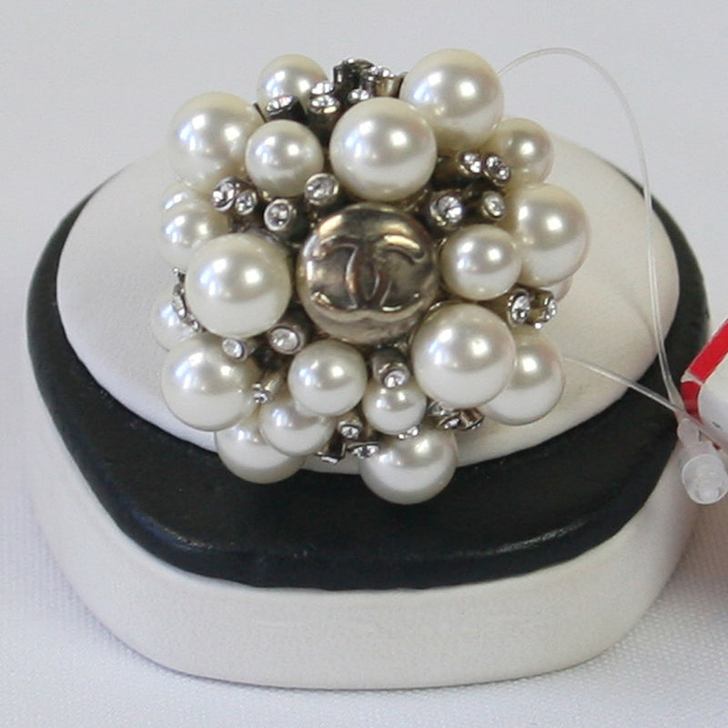 "CHANEL White Pearl Cluster w/Cluster of Crystals & ""CC"" Ring Size 6"