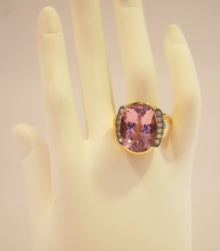Kunzite & Diamond 18K Yellow Gold Ring Size 6
