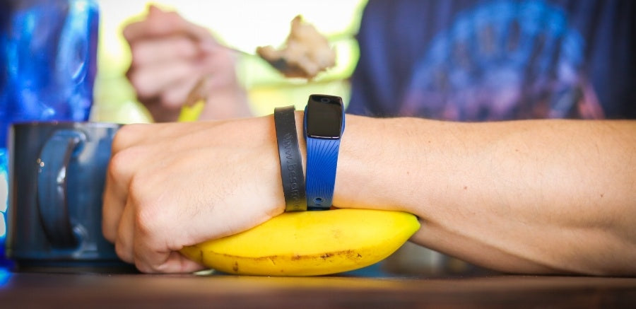 5 Ways Fitness Trackers Can Help You Lose Weight This Summer