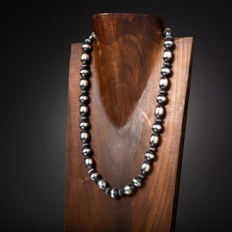 Alternating Santa Fe Pearl Necklace
